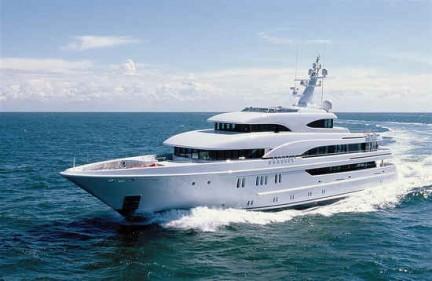 phoenix_yacht_01